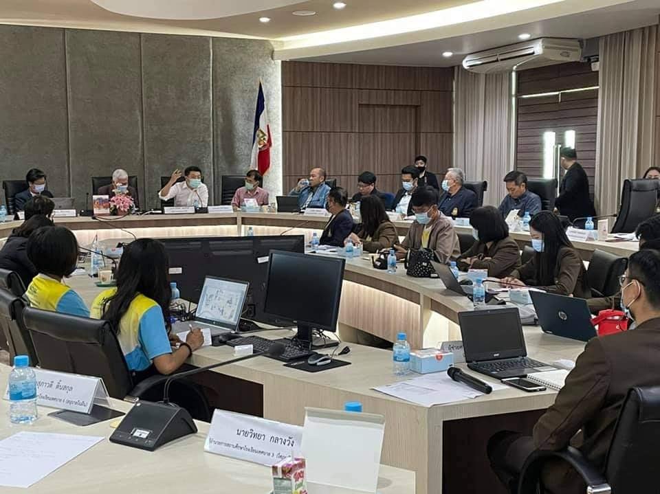 YEC Songkhla ร่วมแลกเปลี่ยนความคิดเห็นกับผู้ทรงคุณวุฒิและตัวแทนภาคส่วนต่างๆ ของ หาดใหญ่